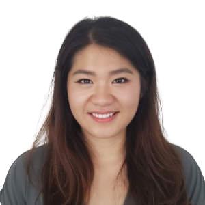 Julia - Analytics consultant